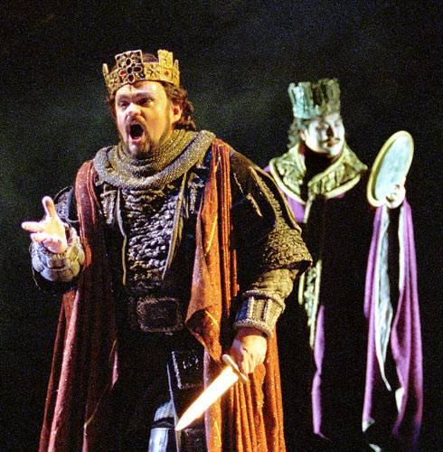 how evil caused destruction of macbeths life in william shakespeares macbeth Darkness, sign of chaos in macbeth:  authors use these symbols to describe an evil character or setting william shakespeare employs the imagery of darkness in act.